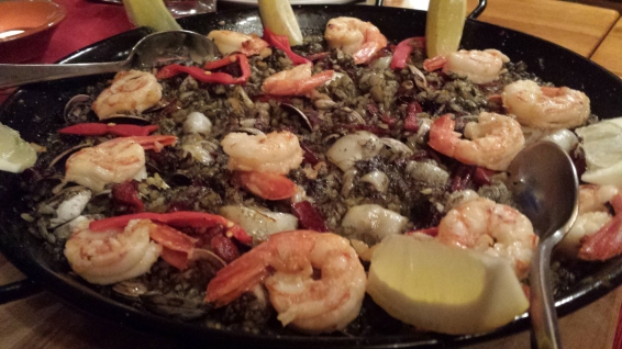 pozos-food-black-rice-seafood2