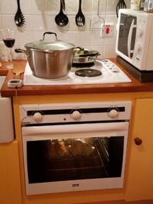 Killarney cottage- roasting chicken