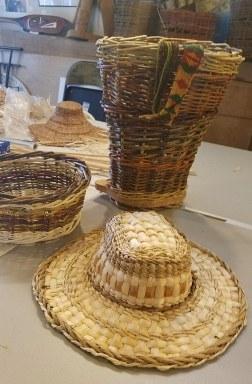 Web Harvest basket hat