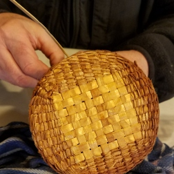 webCedar basket base to round