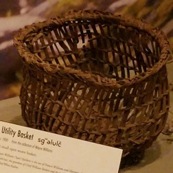 webHibulb clam basket